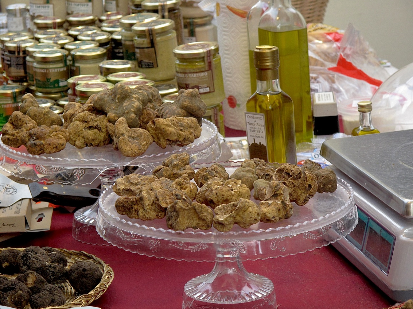 Products with truffles in San Miniato fair